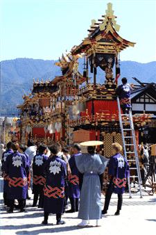 古川祭屋台-min