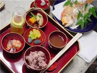 お食い初め(膳)-min