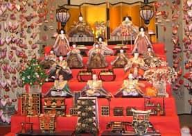 雛人形(段飾り)-min