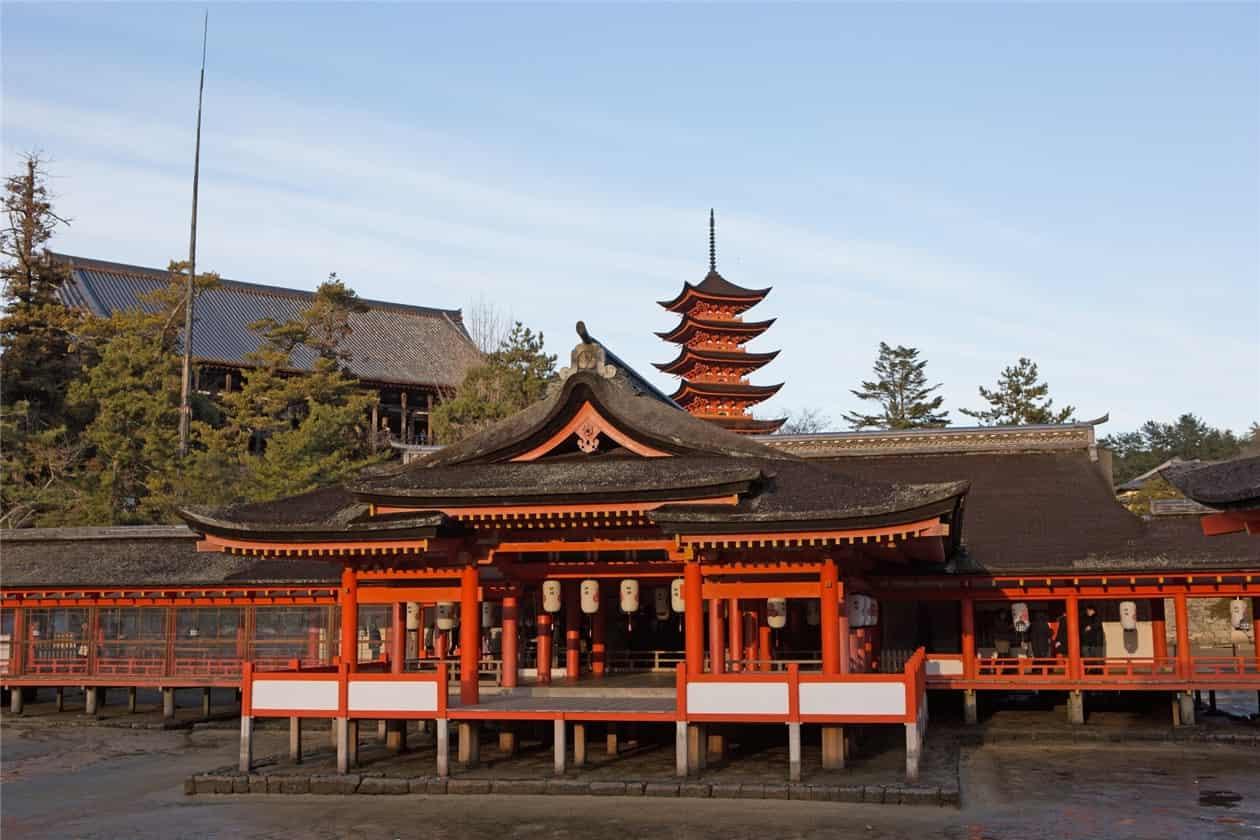 厳島神社-min