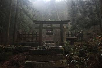 高野山奥の院②-min