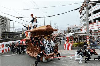 岸和田だんじり祭り(春木本町)-min