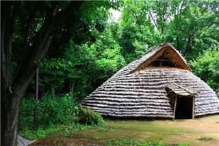 竪穴式住居-min