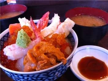 海鮮丼-min
