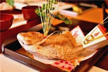祝い膳(鯛)-min
